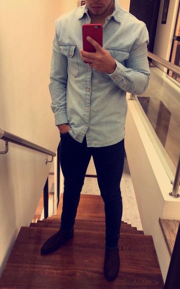 look chemise en jean manches longues bleu clair délavé pantalon slim noir homme