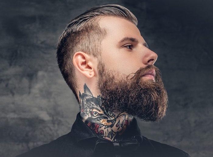 tailler sa barbe hipster longue en degrade avec coiffure pompadour