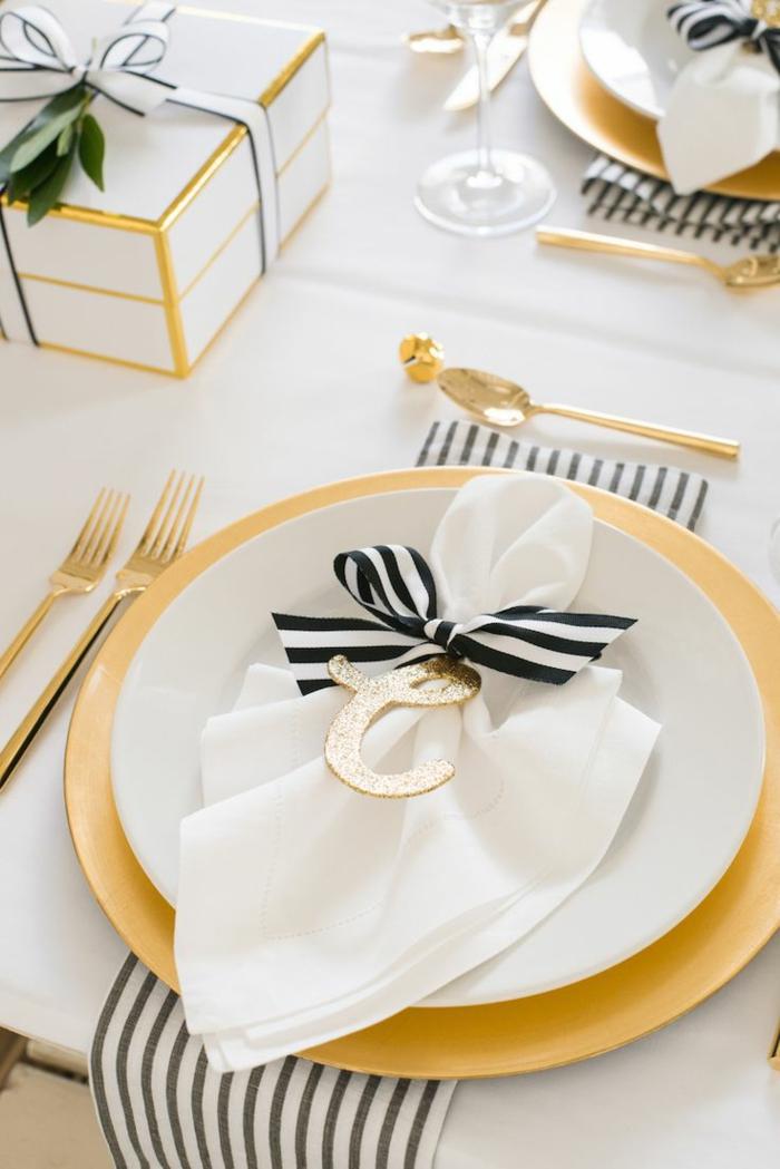 Superbe marque place noel à imprimer gratuit noel décoration table doré cool