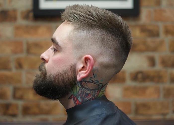 coupe homme degrade tendance style hipster avec barbe