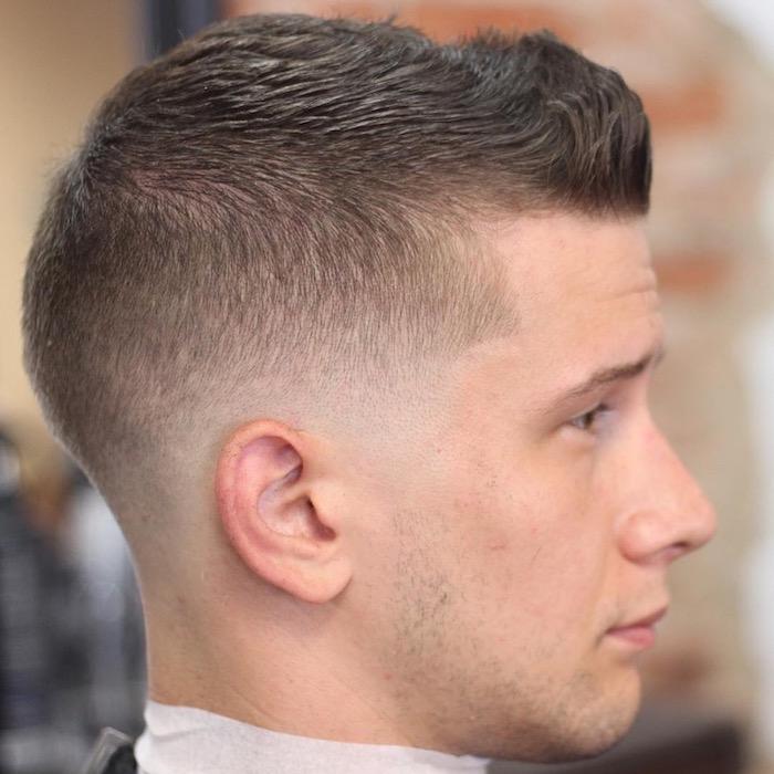 coiffure cheveux court homme degradé bas