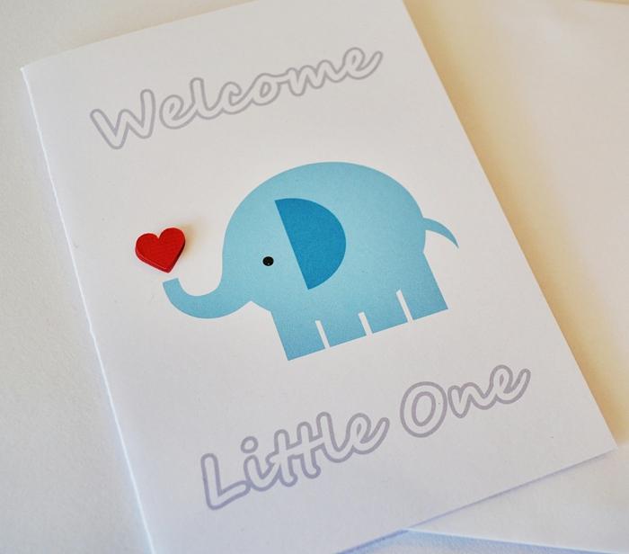 carte bébé éléphant sympathique et coeur rouge, une carte simple et originale