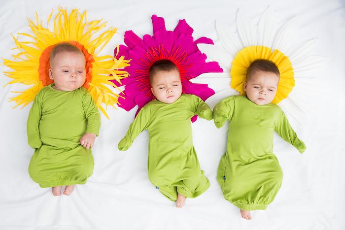 comment faire une fleur en papier, grosses fleurs en papier de soie et papier crépin, fuchsia, jaune, blanc et orange et bébés