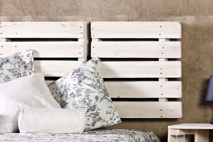 1001 mod les pour une t te de lit en palette de bois diy. Black Bedroom Furniture Sets. Home Design Ideas