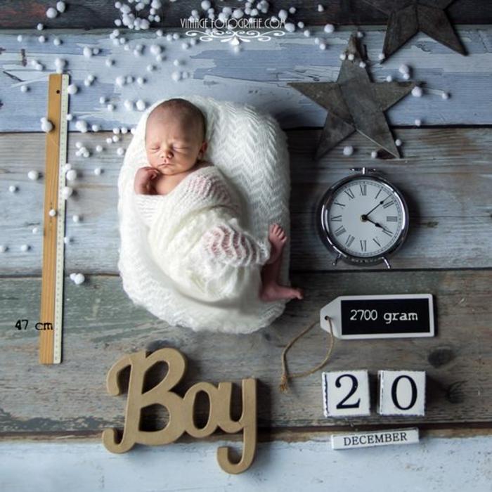 faire part naissance, bébé mignon paqueté et mesuré, créations amusantes
