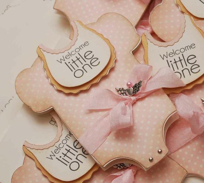 faire part naissance fille super original, bienvenu le petit, cartes uniques en papier rose