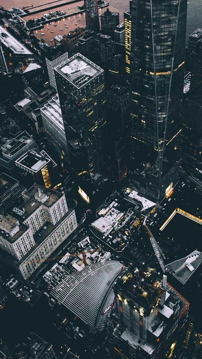 fond d'écran hd paysage, vue d'en haut vers les bâtiments et les rues de la ville