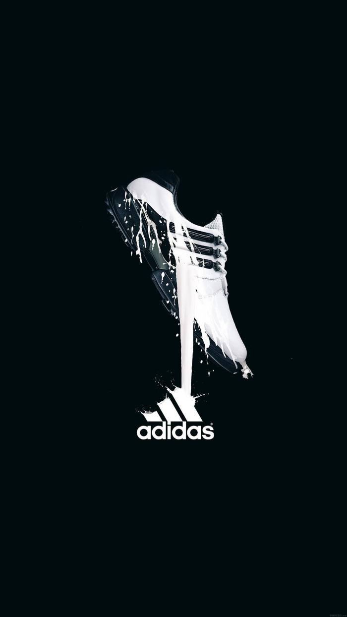 image swag pour fond d'écran d'iphone, photo noire avec baskets blanc et noir addidas