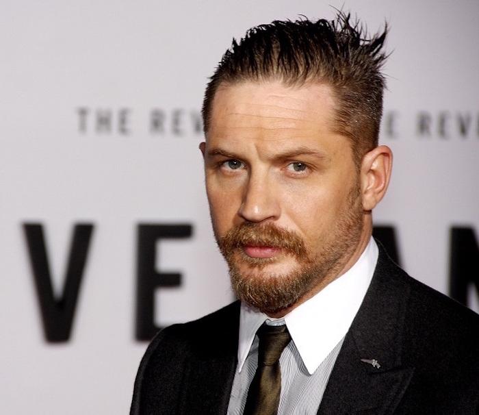 photo tom hardy acteur avec bouc barbe courte