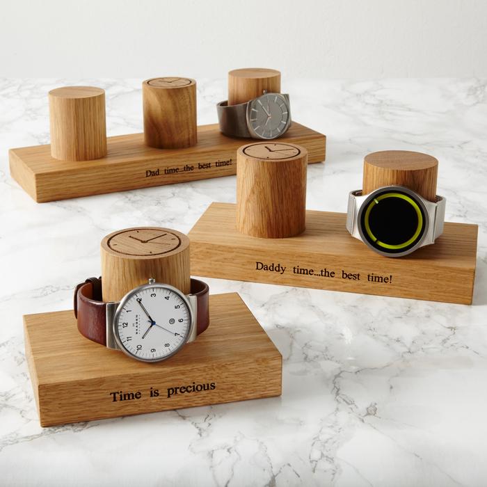 cadeau de noel pour homme qui aiment les montres, un support de montres élégant en bois avec inscription