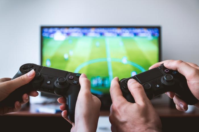 louer une console playstation 4 avec manette noire et sans fil