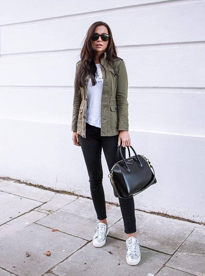 association couleur vetement, look en vêtements de couleurs neutres avec pantalon noir blouse blanche et veste kaki