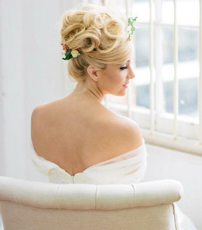 Fashion coiffure mariée cheveux lachés tendances coiffures cheveux longs femme mariee