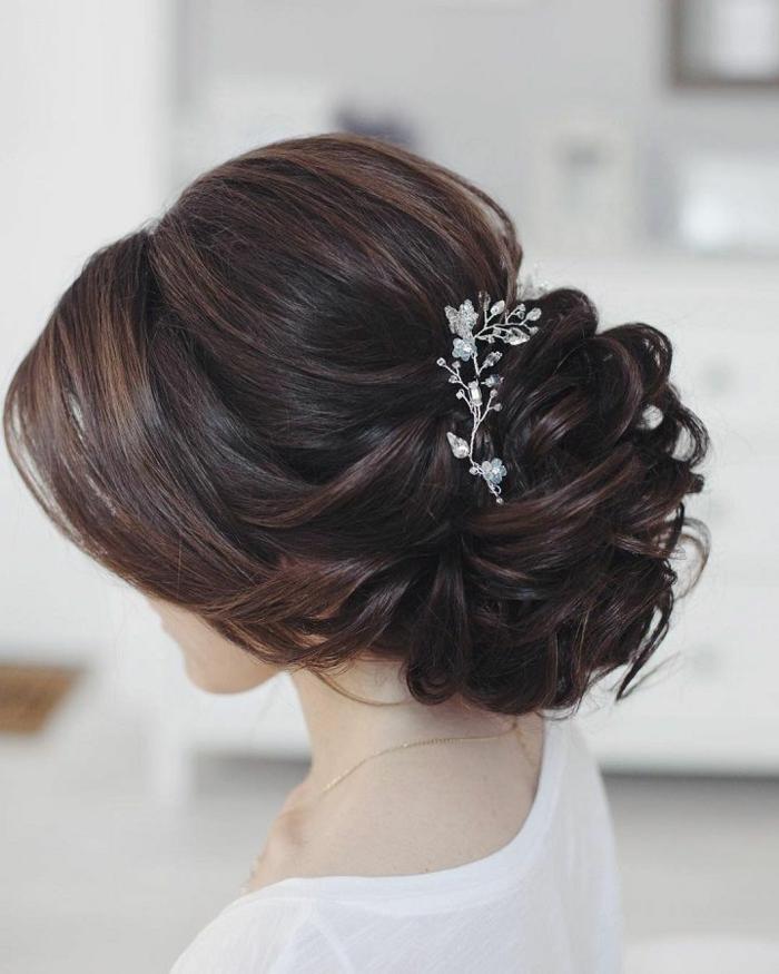 Amour et mariage détails quelle coiffure pour mariage idée chignon cool idée