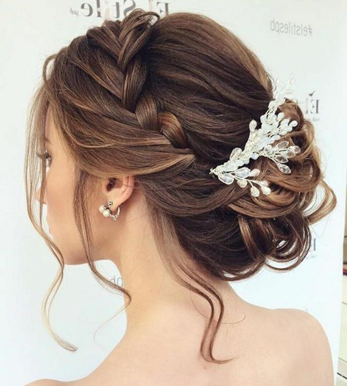 Idée coiffure cheveux mi long coiffure mariée 2017 mariage tresse chignon