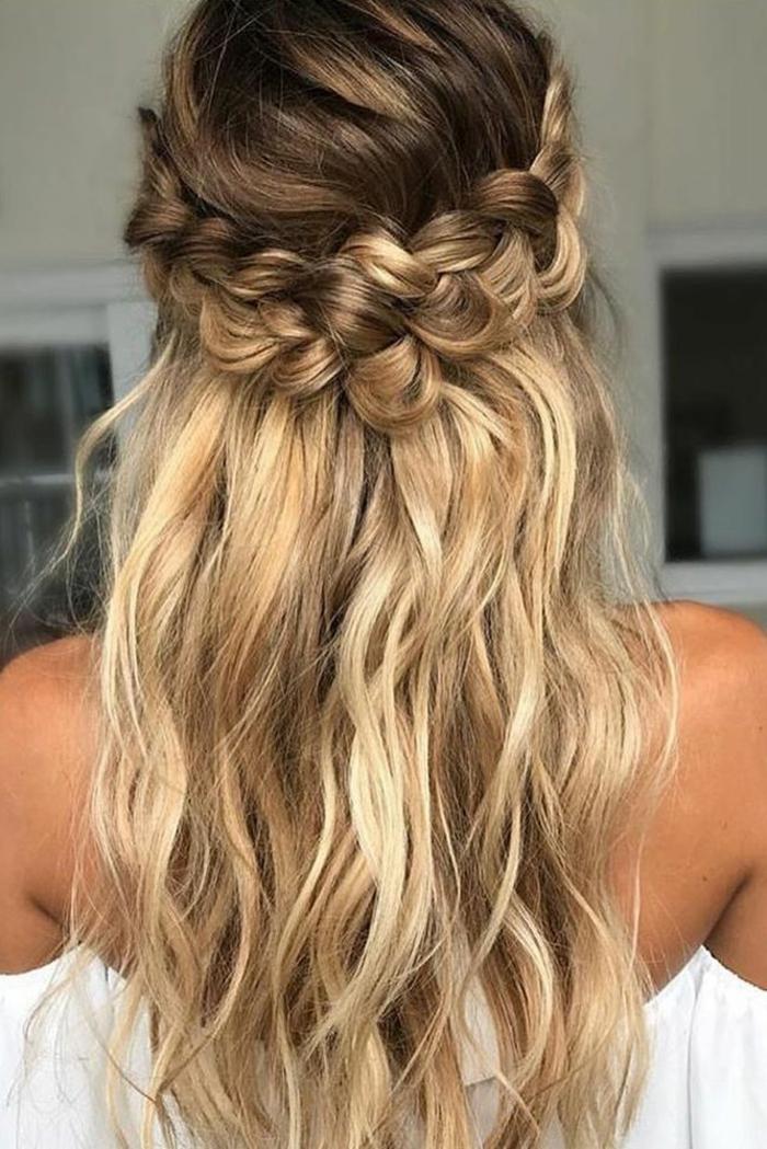 Joie coiffure de mariée cheveux mi long coiffure marier se coiffer tresse couronne cheveux mi coiffée