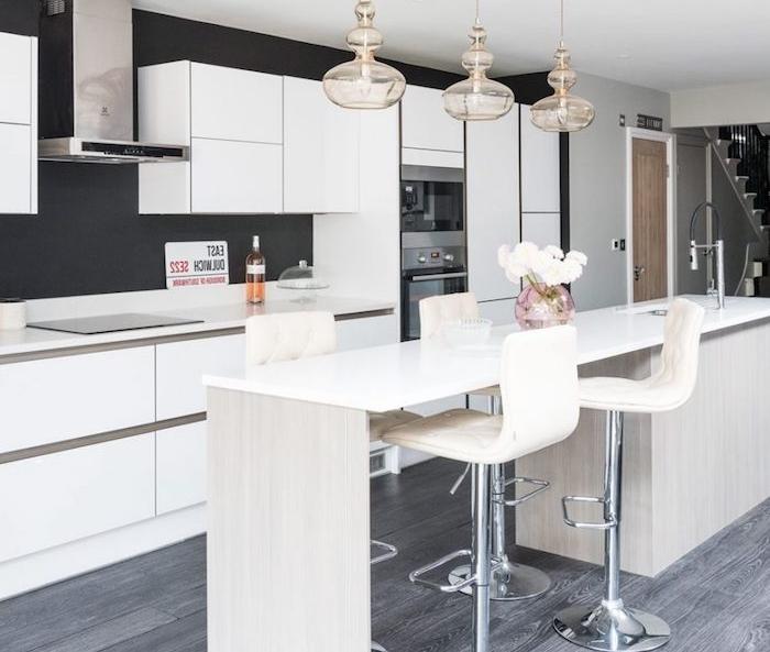 1001 conseils et id es pour am nager une cuisine moderne blanche for Cuisine blanche et grise