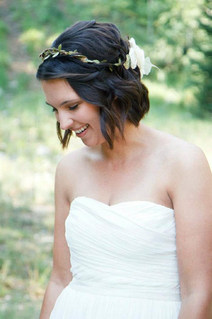 Accessoires coiffure mariée coiffure simple pour mariée cheveux mi long