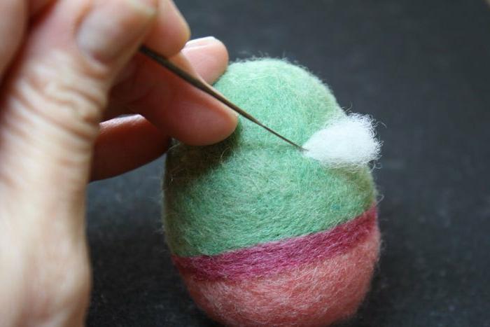 comment faire des pomons, faire des décoration diy en matériaux moelleux