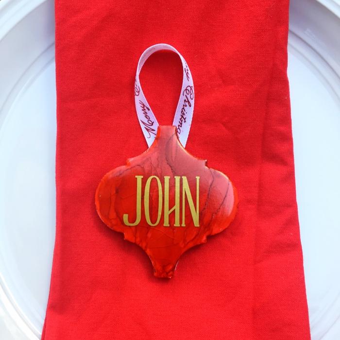Une marque place pour noel a faire soi meme diy deco festive rouge