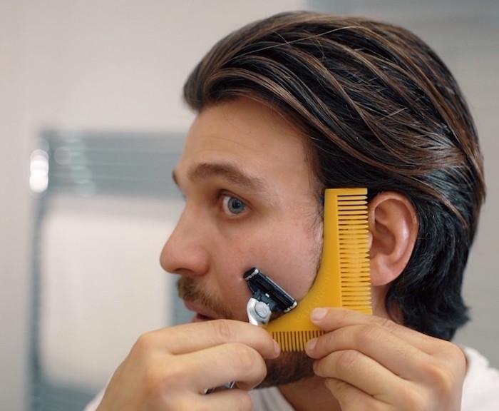 comment raser sa barbe sur les joues avec un peigne à barbe