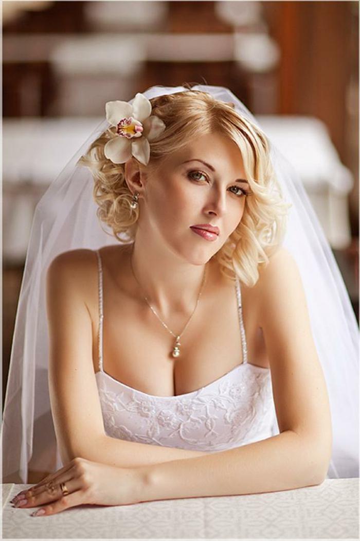 Cheveux court coiffure mariée coiffure pour mariée stylée cheveux mi longs