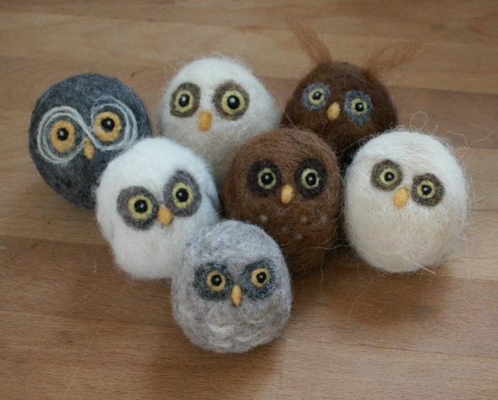 pompons en laine, bricolage avec de la laine, petits hiboux très mignons
