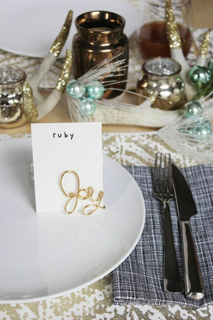 Décoration de table pour noel faire soi même simple à réaliser joie