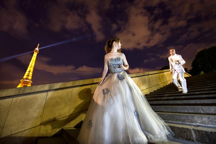 robe la belle et la bete, robe de mariée bicolore, robe satinée, bustier gris-bleu