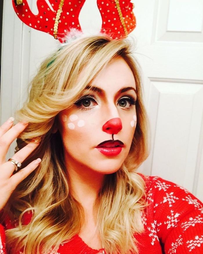 comment se maquiller les yeux, déguisement visage cerf pour la fête de Noel avec nez rouge et joues blanches