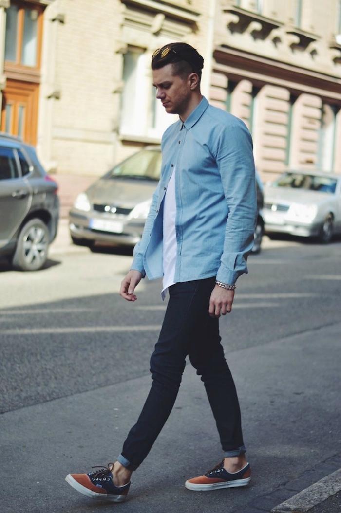 avec quoi porter une chemise en jean delave et tee shirt blanc jeans slim vans era
