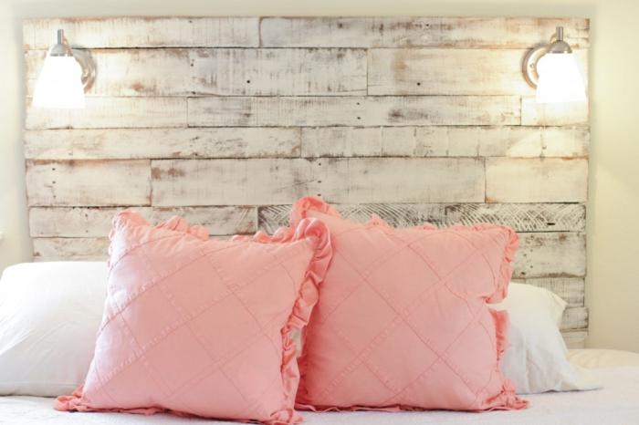 faire une tete de lit, modèle de meuble en palette de bois à réaliser chez soi avec palettes et peinture blanche