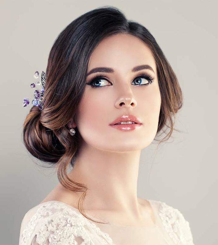 Maquillage et coiffure mariée coiffure mariée princesse cool idée yeux bleus