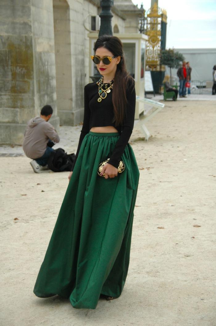 La robe noire robe de soirée longue idée tenue du jour jupe longue top court avec manches longues