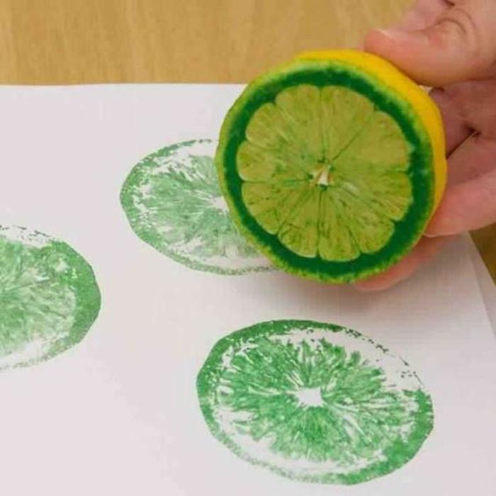Estampe de fruits activité créative emballer des cadeaux en papier personnalisé