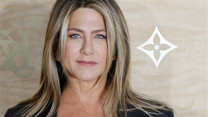 le style des stars, Jennifer Aniston, cheveux longs, couleur blond cendré