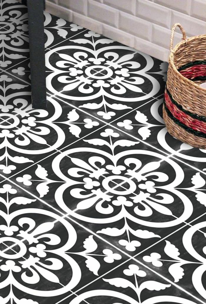 design carreau noir et blanc, motifs floraux, panier rustique, adhesif carreau de ciment