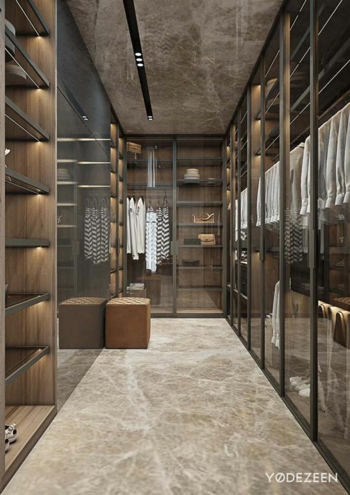 aménagement dressing, étagères éclairées et penderies vitrées, design dressing taupe