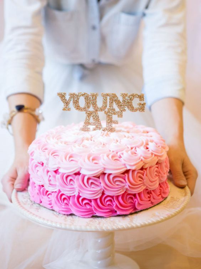 Gateau anniversaire adulte gâteau anniversaire original adulte jeune af