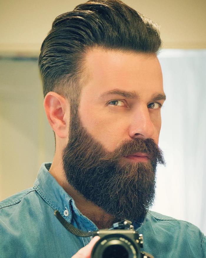 coupe homme avec barbe bien taillée en pointe dégradé