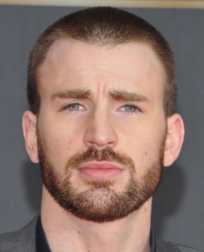 crane rasé et barbe types de barbes homme courte