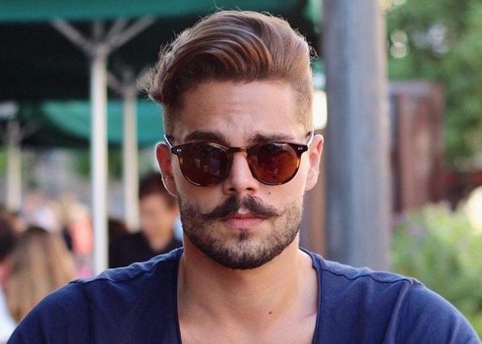 se tailler la barbe court et moustache longue style hipster homme