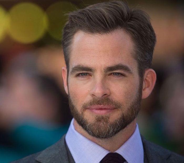 favoris barbe en pointe trois jours homme