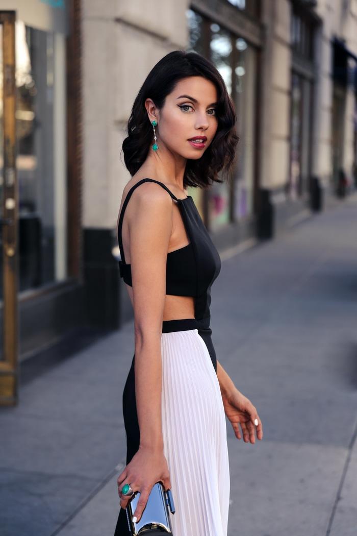 Une robe soirée tenue de soirée tenue tendance chic belle robe noir et blanc moderne
