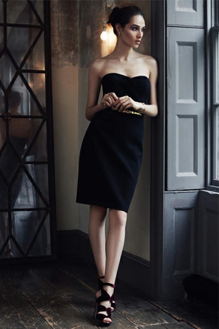 Chic tenue soirée femme tenue habillée robe ou tailleur robe bustier petite robe noire