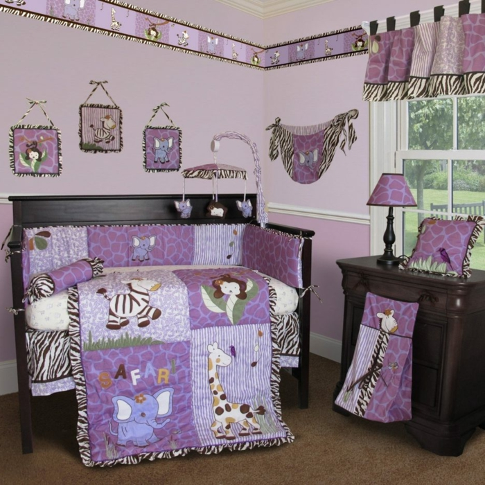 chambre bebe complete, plaid patchwork, commode en bois massif, murs lilas