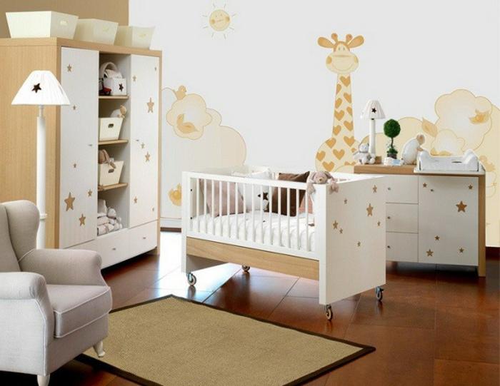 chambre bébé simple, meubles modernes en bois et blanc, petit tapis rectangulaire