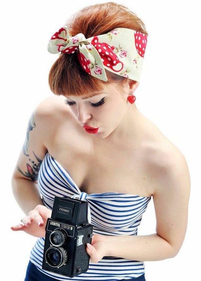 coiffure cabaret pin up cheveux roux vintage style années 50