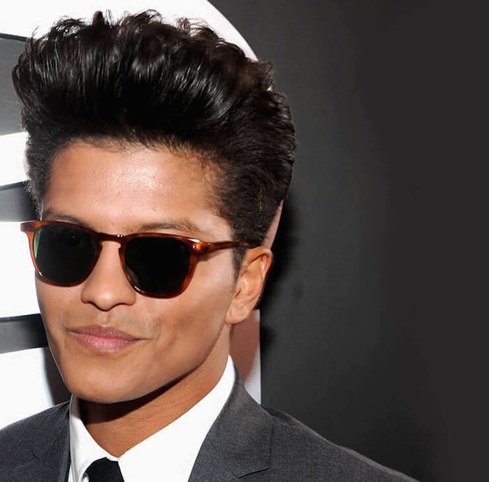 coupe homme en arriere banane style coiffure bruno mars