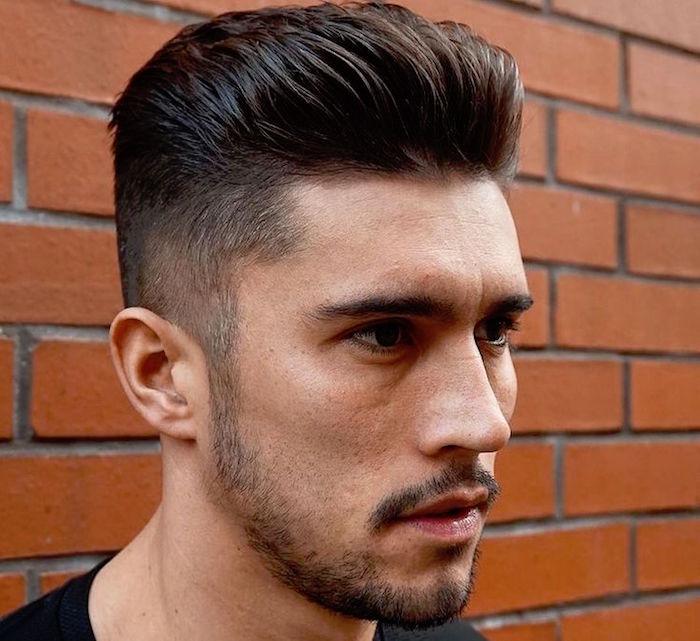 dégradé cheveux homme coupe pompadour hipster long dessus